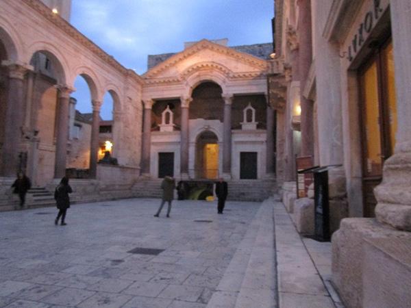 クロアチアの街「スプリット」の旅