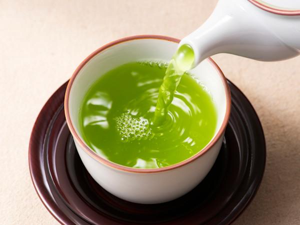 緑茶が新型コロナの感染抑制に効果!?最新研究に注目