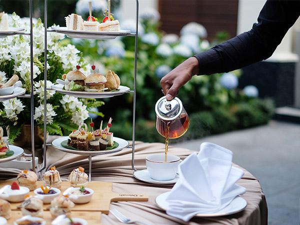 華やかなグランドホテルのアフタヌーンティー(@2019 Tea Time 提供)