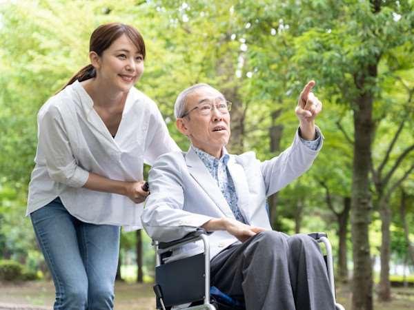 親の介護と自分の生活を両立させる方法