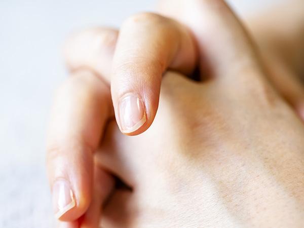 美しい素爪を育てる