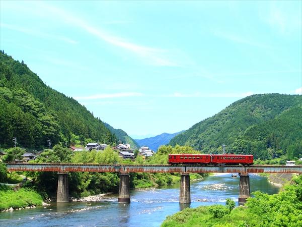 長良川鉄道の観光列車ながら