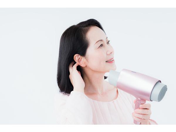 髪の毛のハリ・ツヤを取り戻す「ヘアケア習慣8」