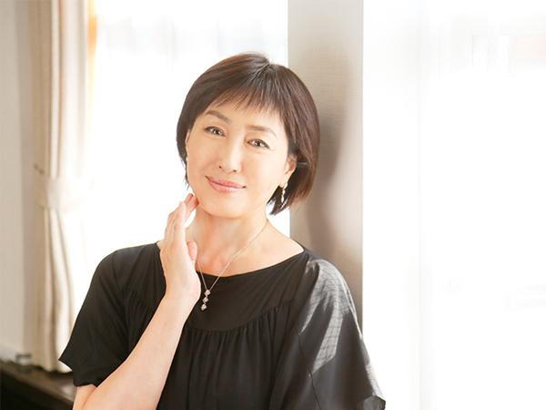 女優・高島礼子!毎日の健康法と運命の枕さがし
