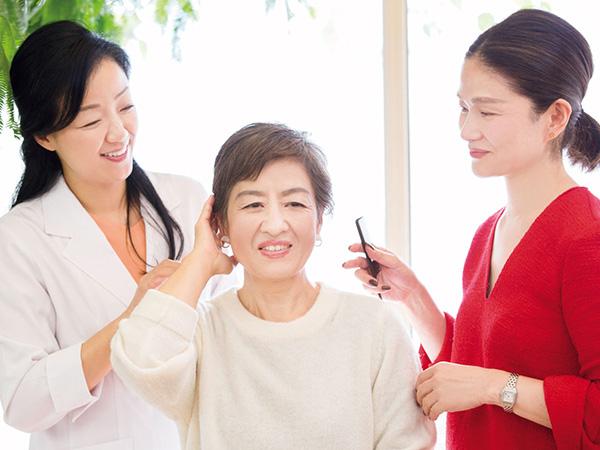 髪を染める手間、頻度、ダメージを減らす染め方