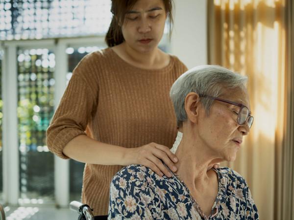 人生相談:介護中の親子関係
