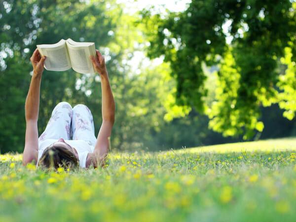 大人こそ少女小説は痛快!ヒロインは「おてんば、みなしご、恋愛より友情」