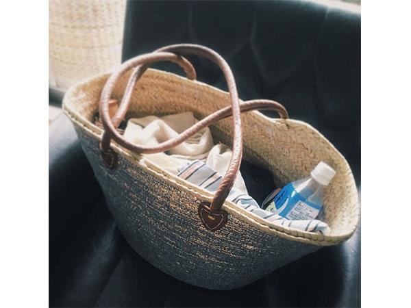 青木沙織里さんの荷物