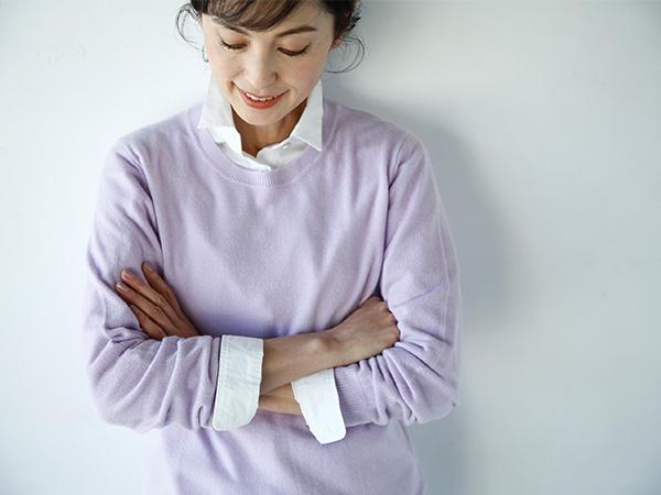 ユニクロ&GUの春色服でほうれい線やくすみもカバー