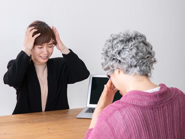 人生相談:老いた母に優しくできない私はダメな娘?