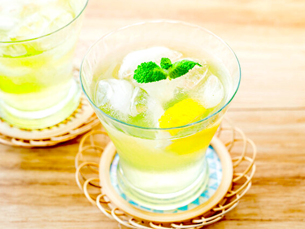夏バテ解消&ダイエットにおすすめ!レモン緑茶