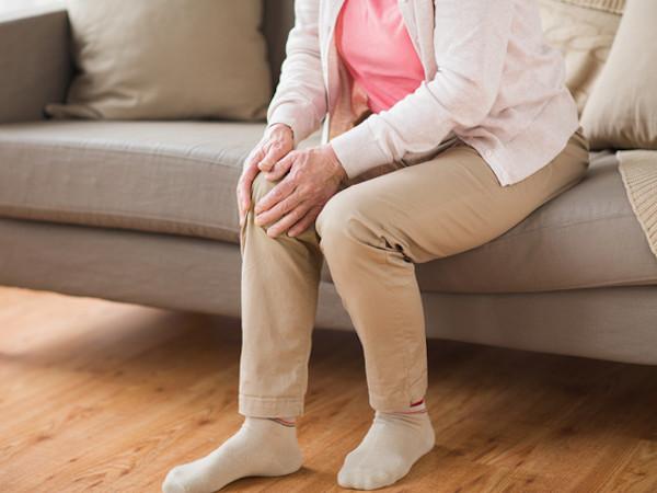 膝が痛い原因は?