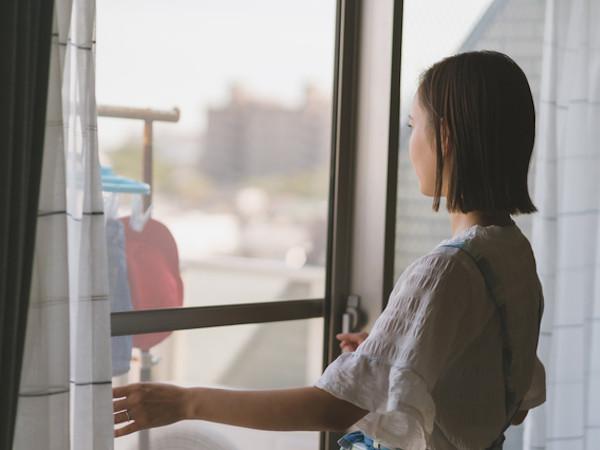 意外と簡単!網戸掃除の方法や裏ワザを知って快適生活