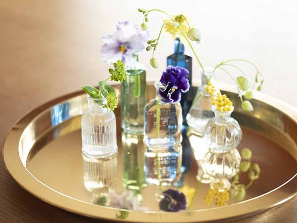 100円ショップの花瓶でおしゃれに花を飾る