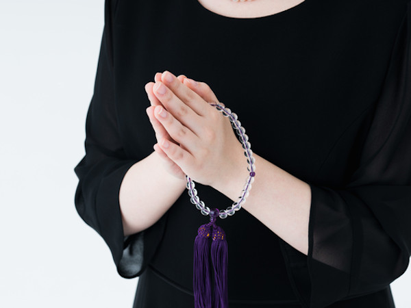 大人女性のための葬式マナーガイド
