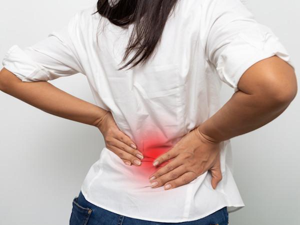 背中が痛い原因とは?