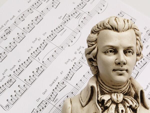 音楽家がサラリーマンだった時代にモーツァルトは