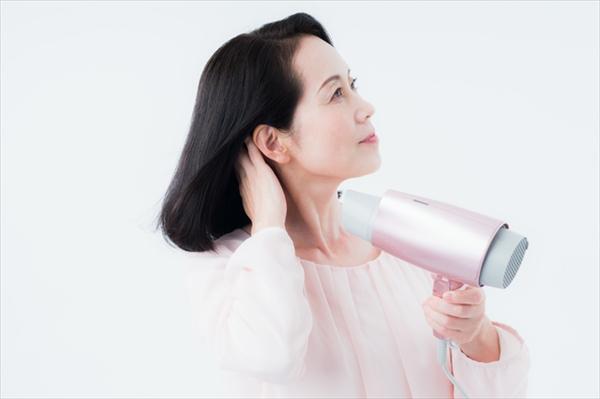 白髪を予防・体内環境を改善するケア方法・対処法は?