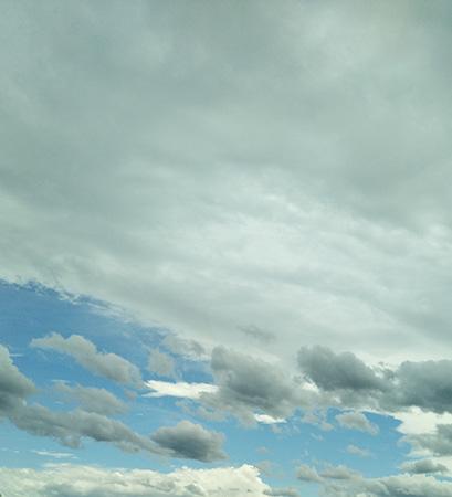 爽やかな朝の空