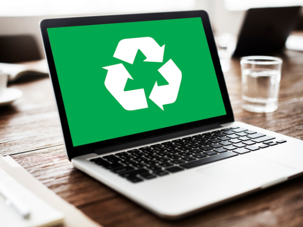 パソコンって、どうやって捨てればいいの?