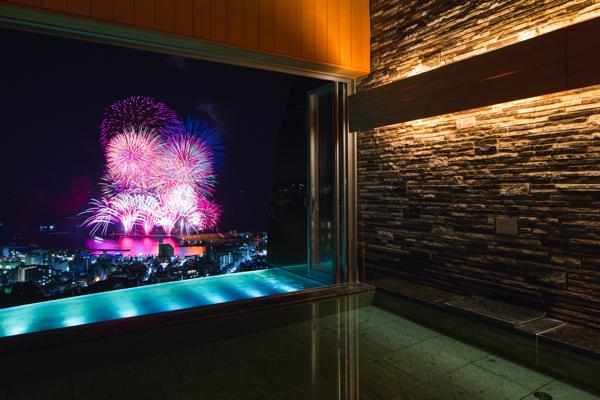 熱海花火大会を大浴場からも見物できる