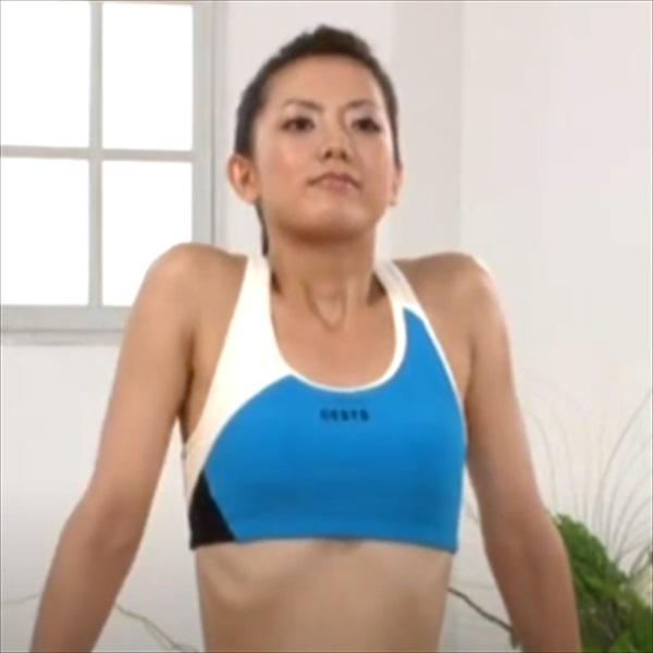 ストレッチ1:肩の上げ下げ
