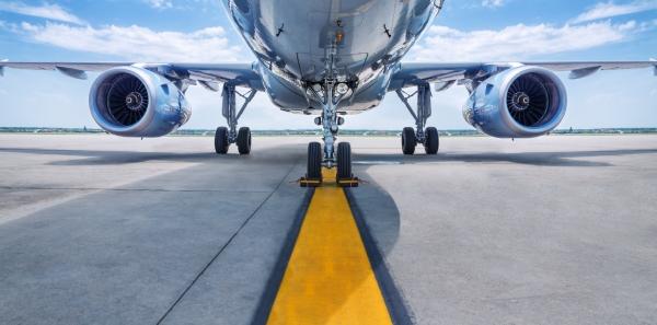 環境保護を考えて、飛行機より鉄道を選ぶのが流行?