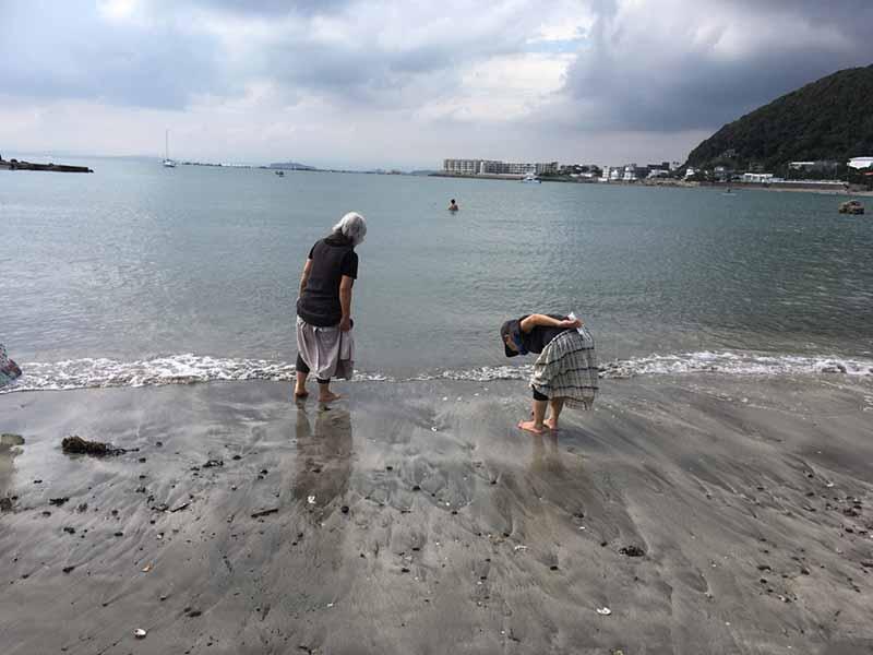 海で遊ぶioriさん