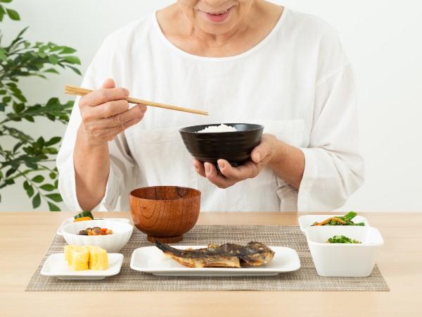 高齢者が陥りやすい「低栄養」ってどんな状態?