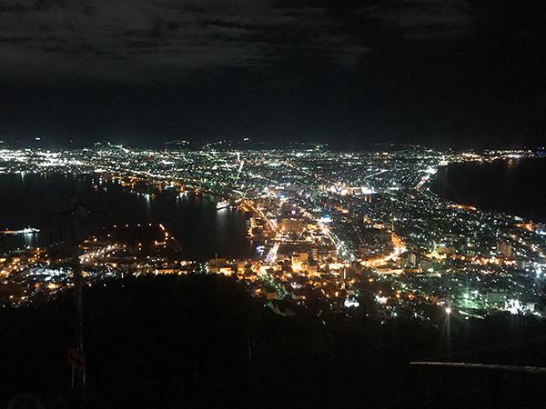 函館山、山頂からの100万ドルの夜景