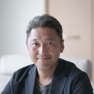 足指研究所 所長:湯浅慶朗