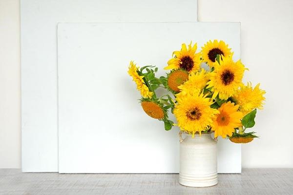 ヒマワリの花の飾り方:ゴッホのヒマワリをイメージする