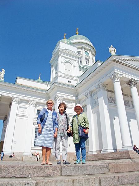 海外に住む子どもを訪ねたり友達と出掛けたり、旅行は毎年の楽しみ。写真はフィンランドにて。