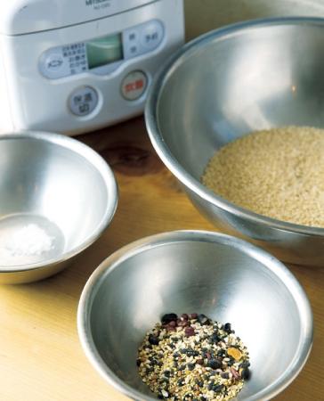 炊飯器で炊くときは、小豆を雑穀に替える
