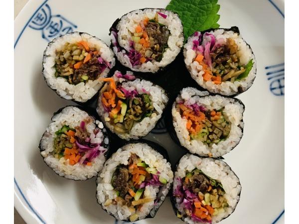 野菜たっぷり!韓国料理キンパの作り方をご紹介します