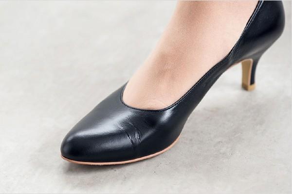 足にきちんとフィットする靴