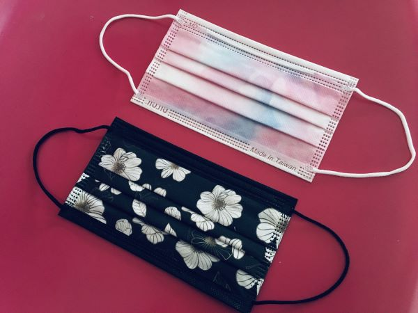 上からマーブルシリーズの「ピースフルピンク」、Twitterの投票でTOP5に選ばれた「秋桜」