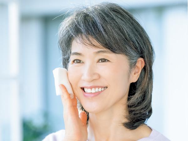 年齢肌の毛穴悩みを解消する、正解スキンケアとは?