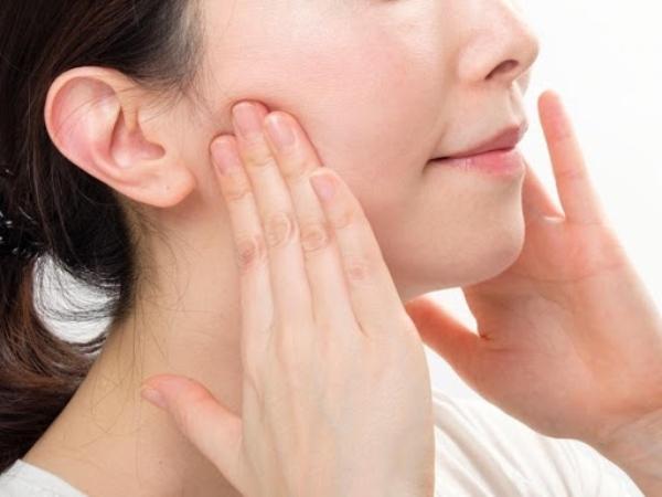 顎関節マッサージの手順