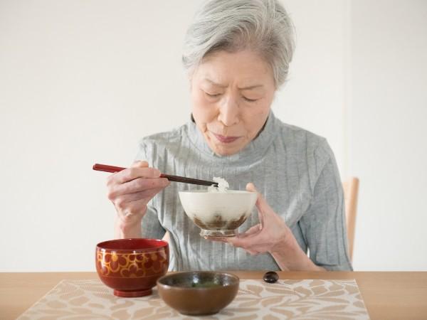 嚥下が困難なシニアが食べやすい調理法とは?
