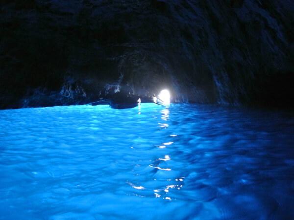 南イタリア 青の洞窟