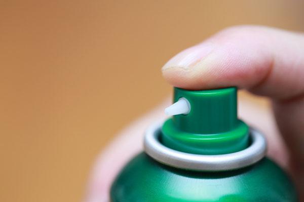 加齢臭を防ぐには制汗剤を使う