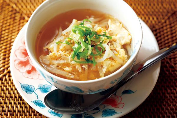 冷凍もやしの中華風卵スープ