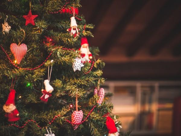クリスマスツリーのオーナメントの意味とは?