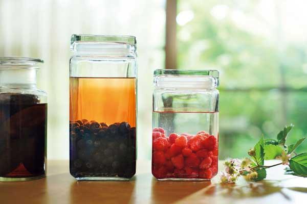 横山タカ子さん作:色鮮やかな果実酒