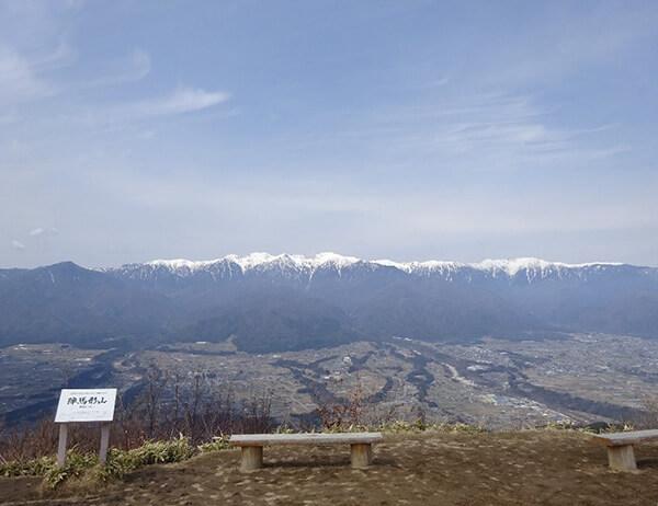 展望台からの景色・中央アルプスの山々