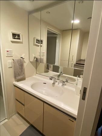洗面所収納:シンクの上にはモノを置かない