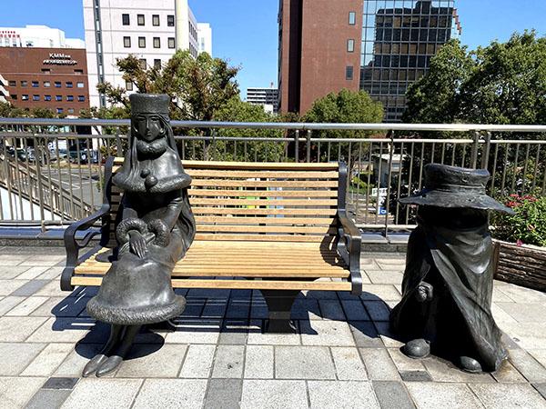 小倉駅前のメーテルと鉄郎