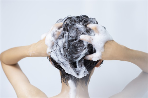 シリコン入りのシャンプーは髪に悪い?