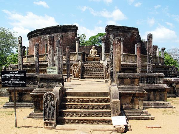 保存状態の良いポロンナルワの遺跡(スリランカ観光局提供)